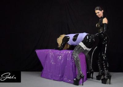 Mistress-Susi_Free-Fetish-Pictures-14