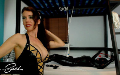 Webcamshow with Tightlyrubberd and the Venus2000